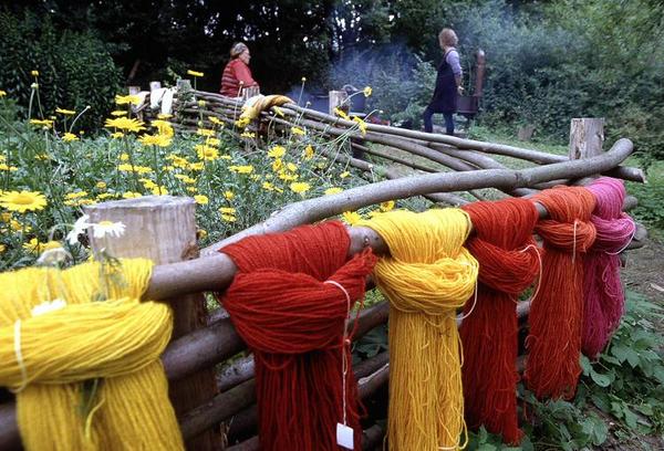 Jernalderen  farvning af garn  toej og mode  Sanglandet Lejre