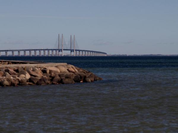 Danmarks graenser  Skaane  OEresundsbroen  COLOURBOX4914171