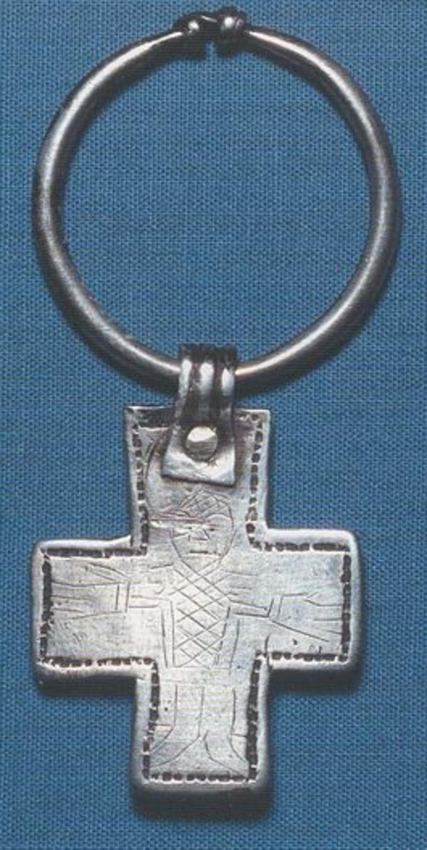 kristent kors fundet ved landsbyen haagerup paa Fyn  odense bys museer 01